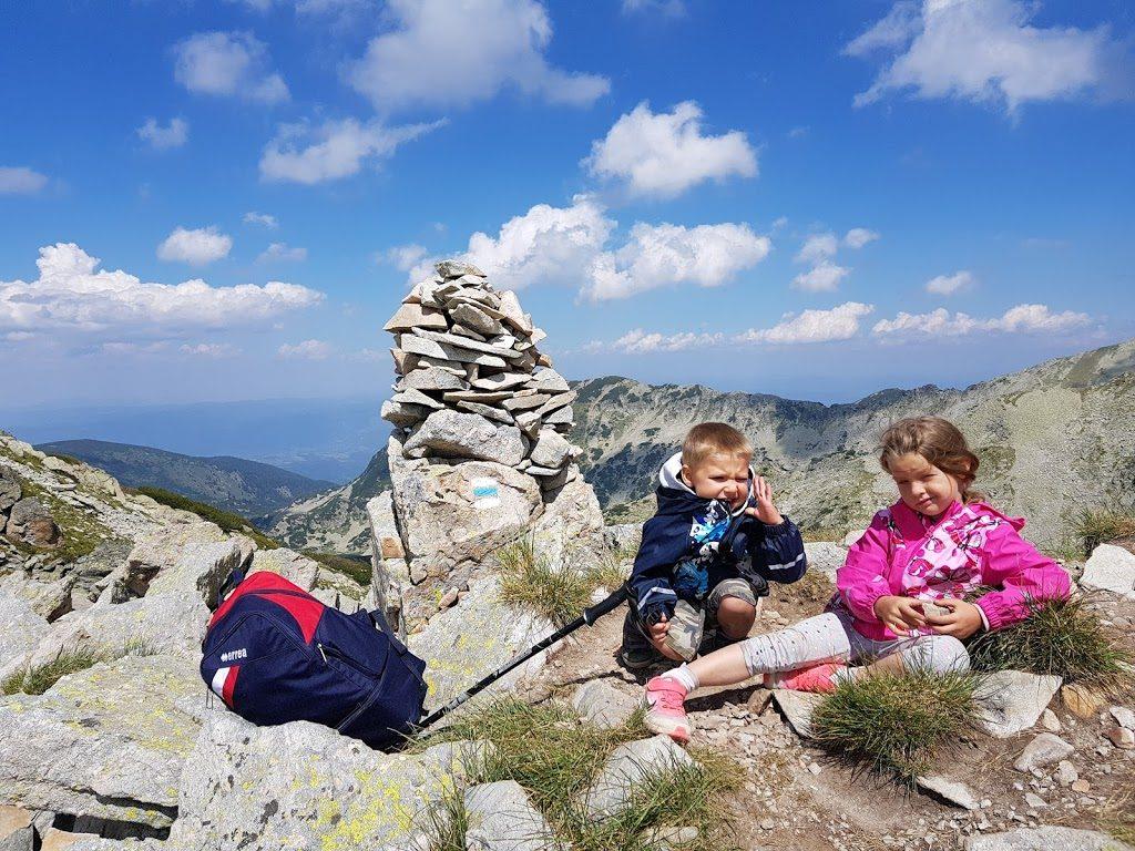 С децата до Тевно Езеро