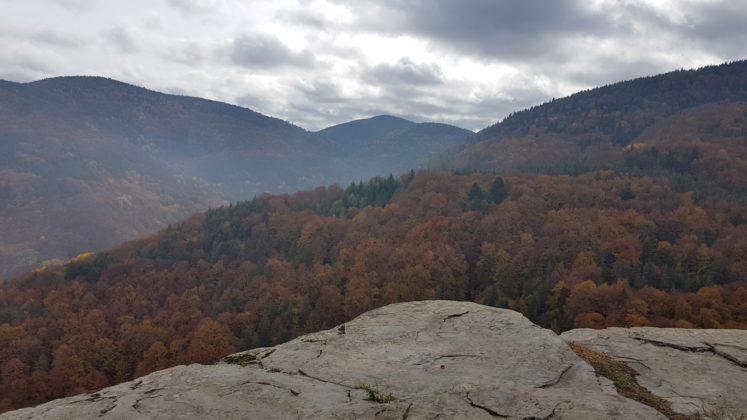Панорамна скала край Равнища