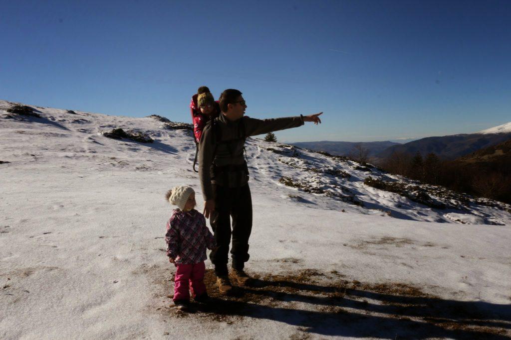с деца през зимата