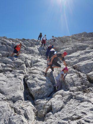 деца на връх Вихрен