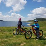 Велообиколка на язовир Белмекен - перфектното място за деца и начинаещи байкъри